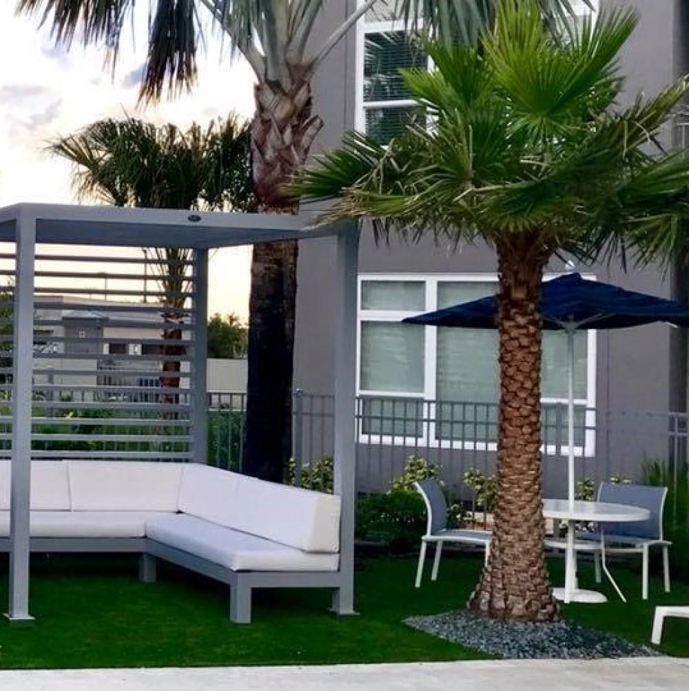 Floridays Apartments- Orlando, FL