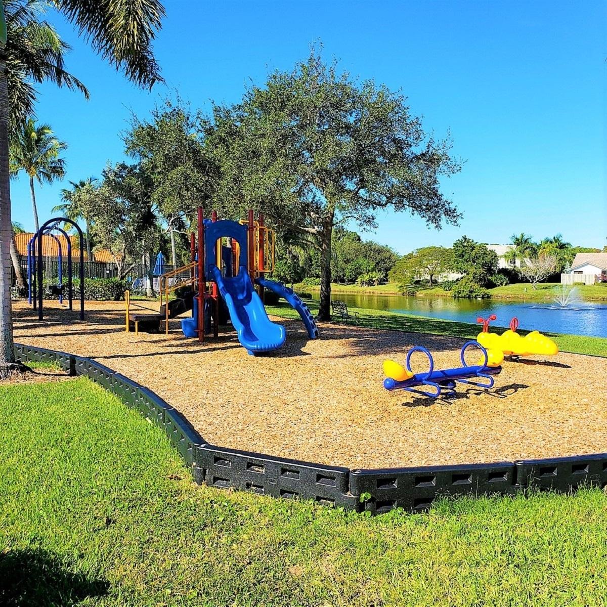 Crystal Pointe HOA Palm Beach, FL