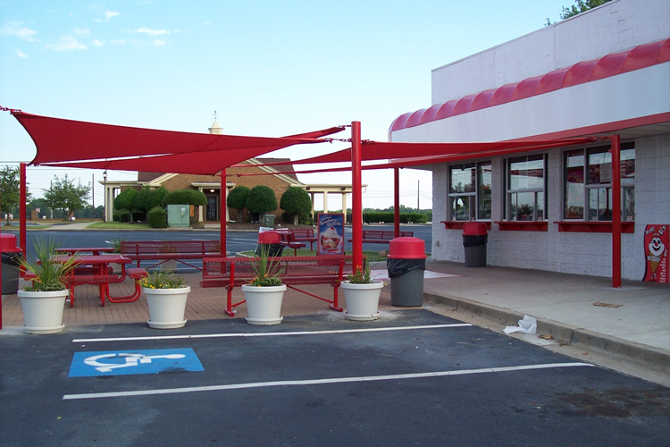 478   Post And Sail Patio Shade Structure
